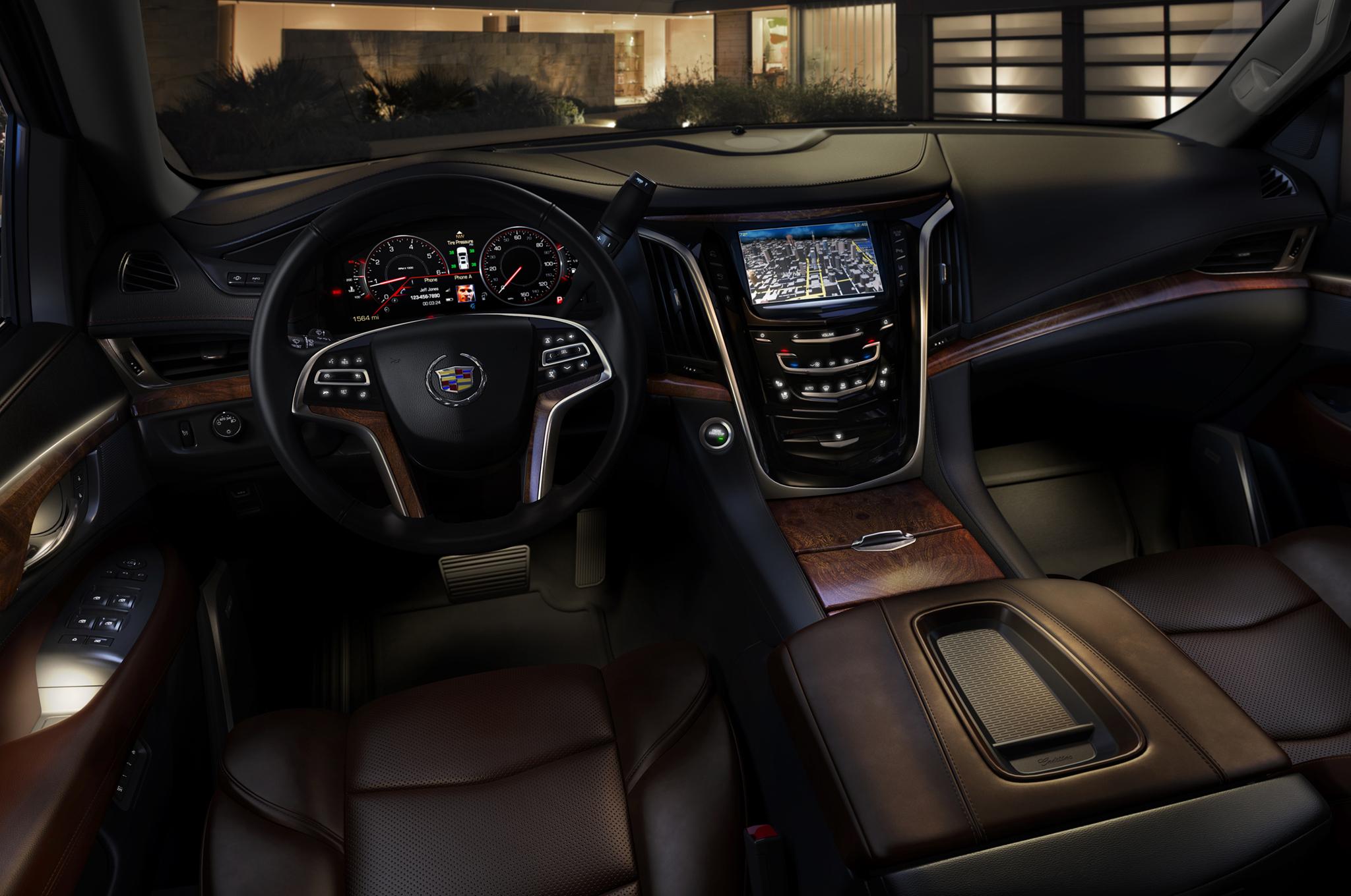 2015-Cadillac-Escalade-dash